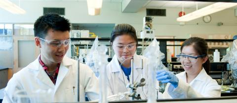 Support the Faculty of Science bursary, and help students with financial burdens.